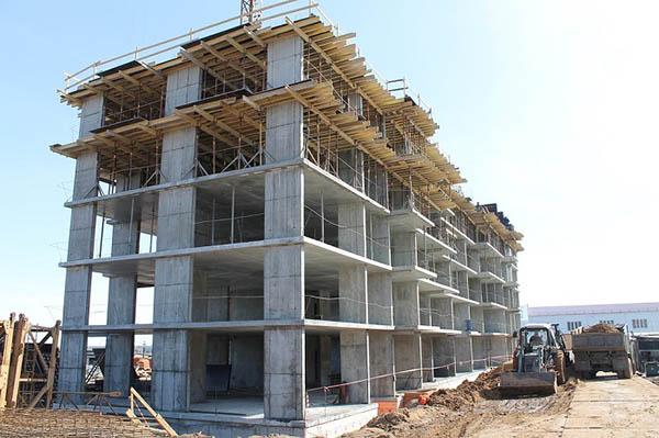 Monolitická bytová výstavba