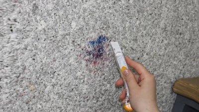 Как убрать грязь с жидких обоев и правила ухода
